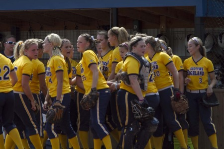 Softball Stays Hot in Region Play