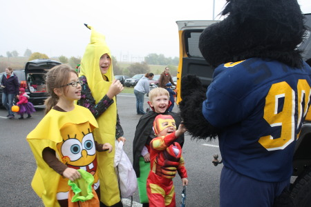 HCC Participates in Hiawatha's Halloween Happenings
