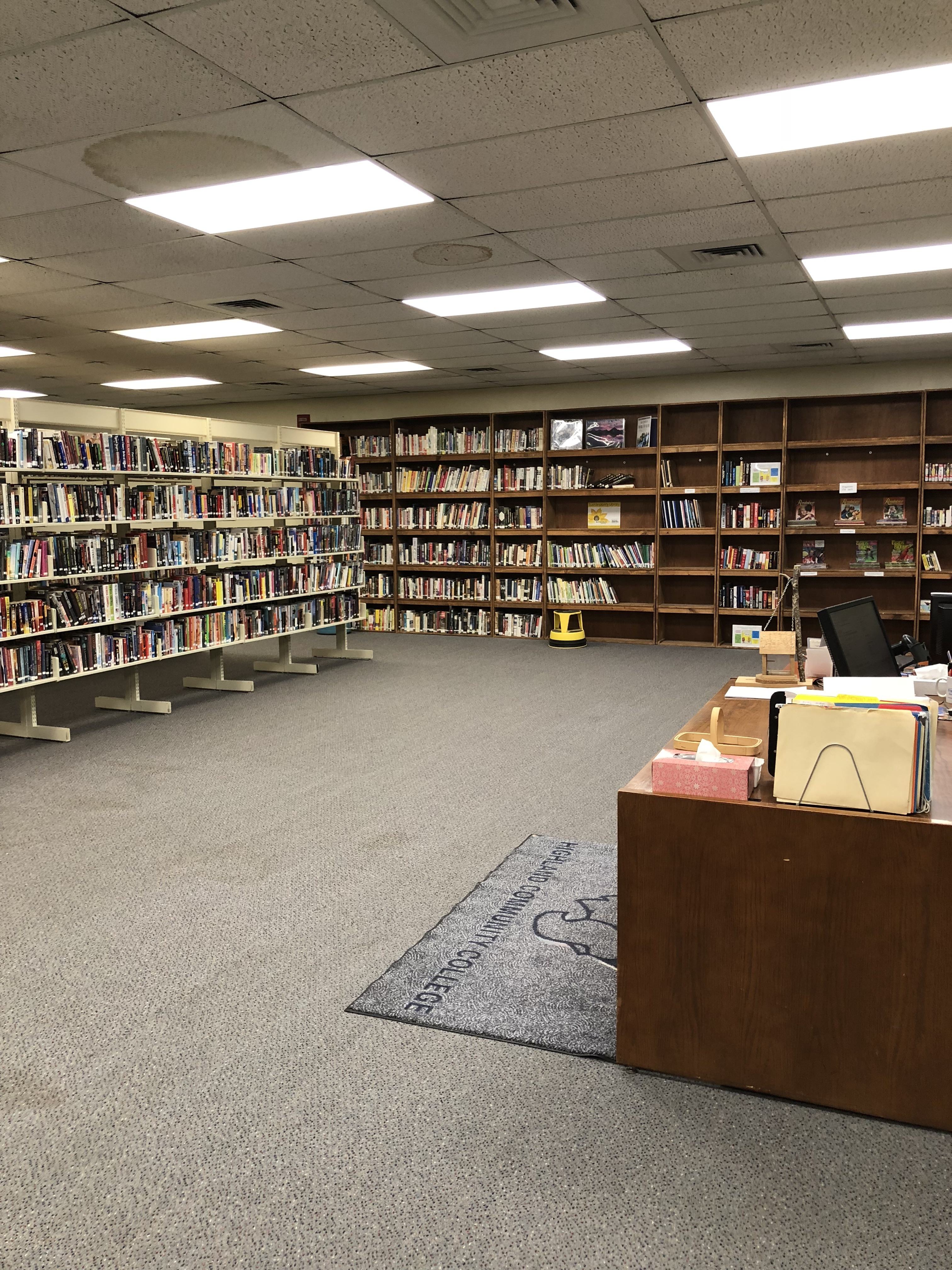 Highland Community College Perry Center Gives Local Library a New Home
