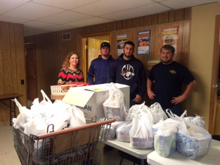 Highland Tech Center Students Contribute to Local Food Pantry